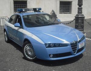 DROGA IN AUTO, PIZZICATI DA UN CONTROLLO CASUALE DELLA POLIZIA