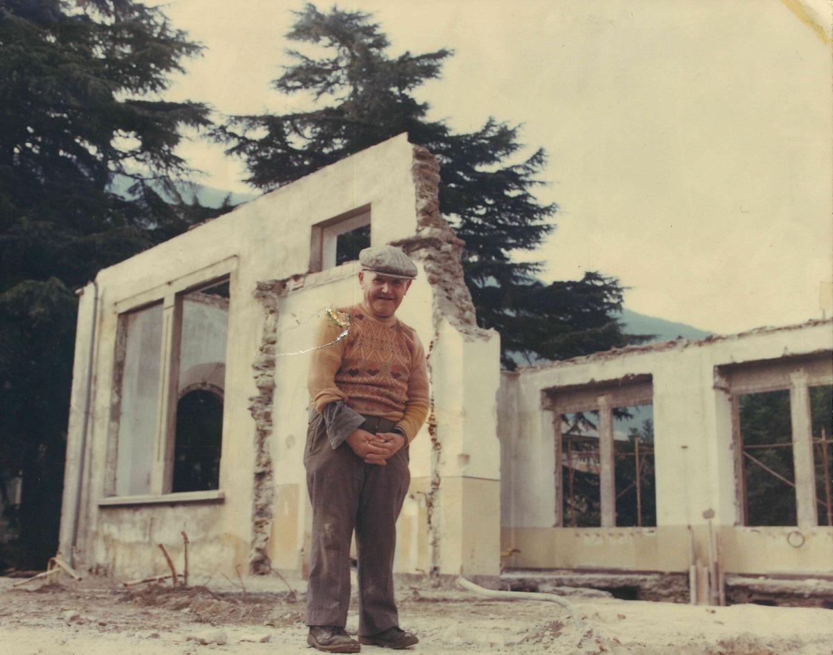 Un assistente ai lavori speciale il mutin della casa di for Disegni della casa di tronchi