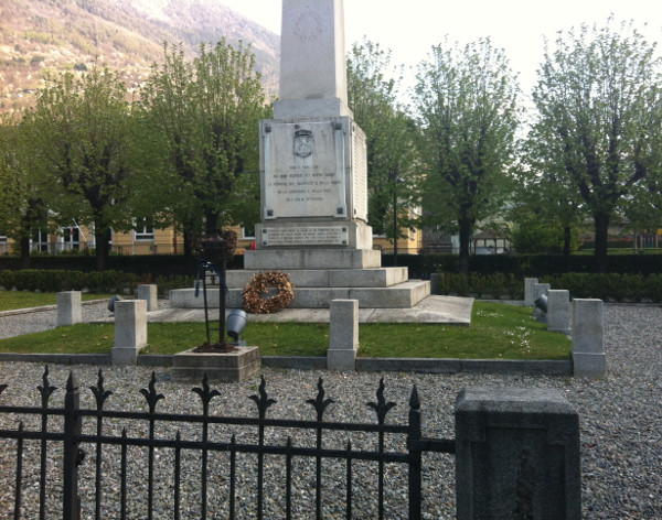 monumento caduti_tirano